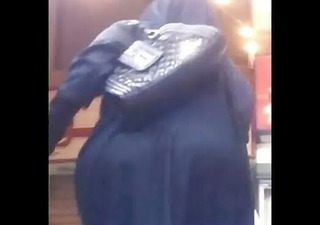 arab mature street - voyeur 11 - older large butt