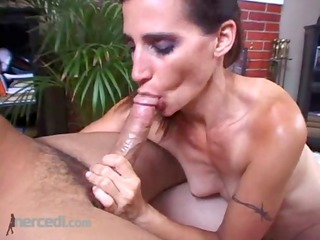 bodybuilder cheri plays and pleases, dick sucking
