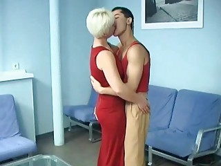 small haired bleached woman drilled anally by her