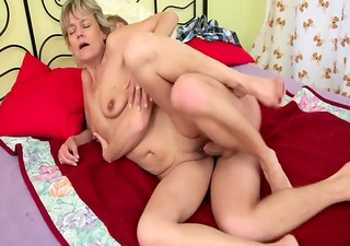 blonde mommy fuck boy