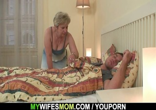 i just discovered my mommy riding his cock