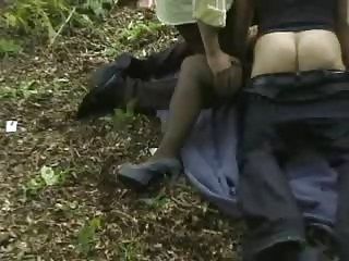 maiden obtains gangbanged outside